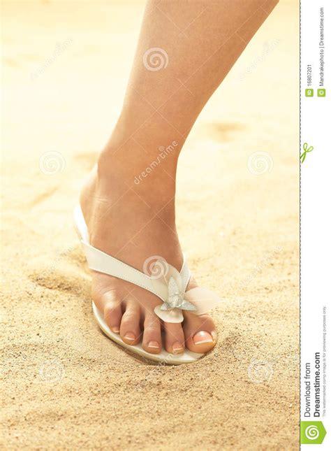 pied de femme sur le image stock image 16807201