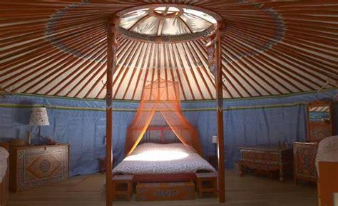 chambre d hote ile de yourte bretagne dormir dans une yourte en bretagne