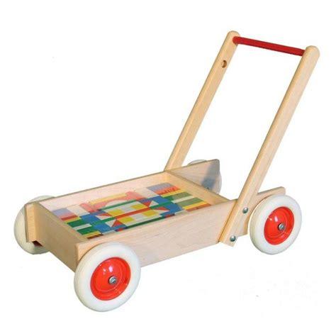 chariot de marche en bois avec 61 cubes color 233 s ebert jeujouethique