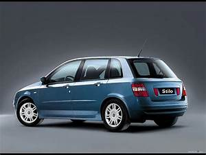 Fiat Stilo 2002 : pictures of car and videos 2002 fiat stilo supercarhall ~ Gottalentnigeria.com Avis de Voitures