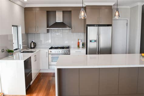 Kitchen : Practical Laminate Kitchens