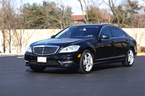Corporate Limousine by Montreal Limos Vip Best Limousine Company In Montreal