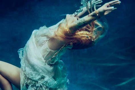 Avril Lavigne Ritorna Con Il Nuovo Brano Head Above Water