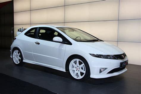 Honda Civic Type-R Championship White: Special Edition ...
