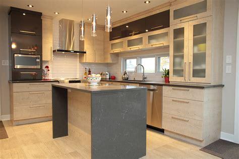 cuisine contemporaine en bois massif cuisine en bois massif moderne maison moderne