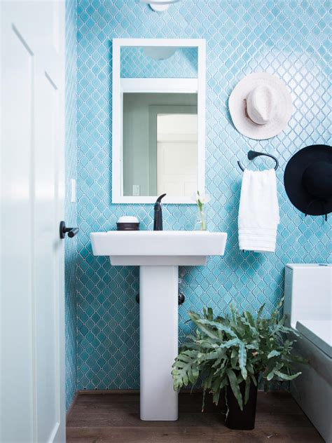 Ideas For Decorating A Small Bathroom by Small Bathroom Decorating Ideas Hgtv