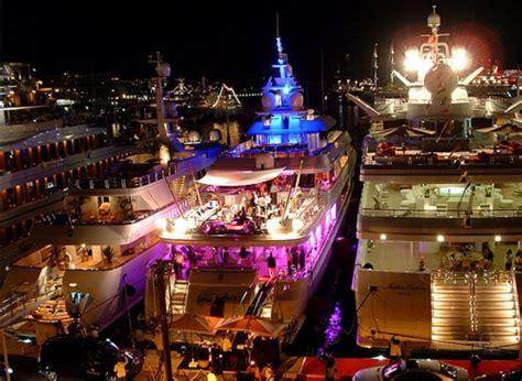 dj  bord de votre yacht charter monaco yacht charter