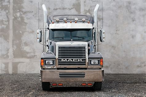brand new volvo semi truck 2000 volvo semi truck 2018 volvo reviews
