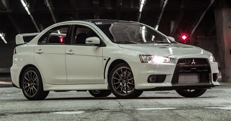 Mitsubishi Evos by One Of The Last Mitsubishi Evos Is Up For Auction