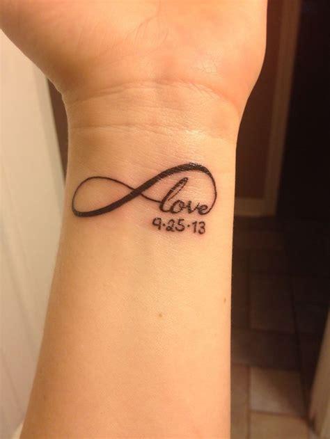 Tetovaža love na ruci