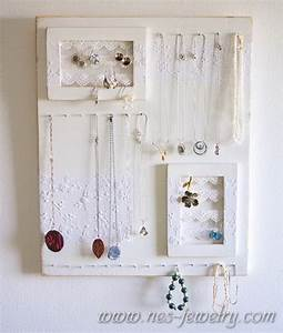 Shabby Chic Diy : 11 romantic diy shabby chic jewelry holders and hangers shelterness ~ Frokenaadalensverden.com Haus und Dekorationen
