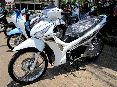 Honda Wave 125i 2012 Trat Thailand.jpg