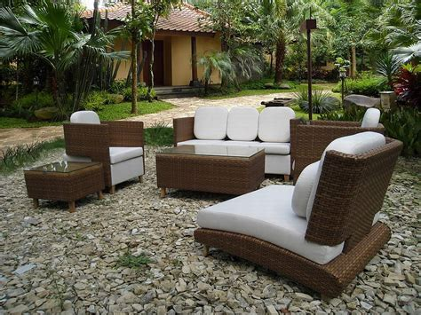 Outdoor Furniture by Contemporary Outdoor Furniture With Simple Design To