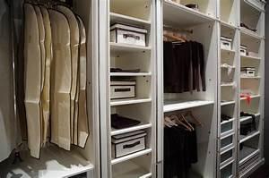 Begehbarer Kleiderschrank Offen : 20 tipps f r einen aufger umten kleiderschrank ratgeber haus garten ~ Markanthonyermac.com Haus und Dekorationen