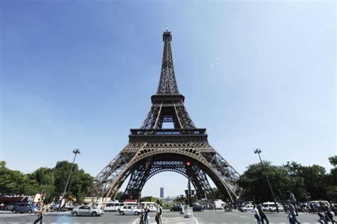 la  eiffel monument touristique le  cher en