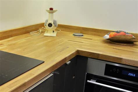 jonction plan de travail cuisine rénovation de cuisine en u avec plans de travail en chêne