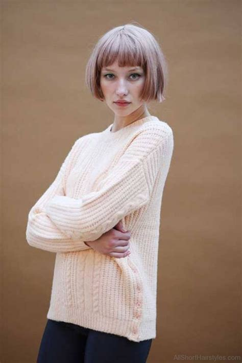 57 Cool Short Bob Hairstyle With Side Swept Bands