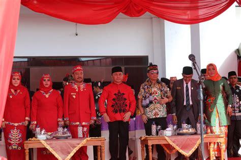 We have almost everything on ebay. Gubernur Kalteng Hadiri Upacara Peringatan Hari Jadi ke-17 ...