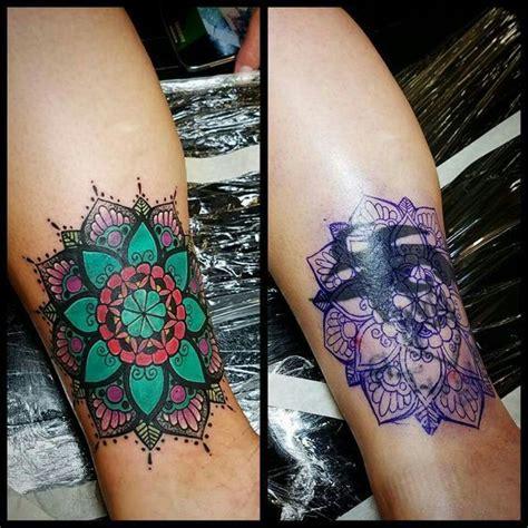 henna stechen as 25 melhores ideias de covering no uma tatuagem tatuagens de flores