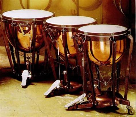 Lalu, ada apa saja sih contoh alat musik ritmis tradisional dari indonesia? 6 Alat Musik Ritmis Beserta Pengertian, Gambar, Fungsi ...