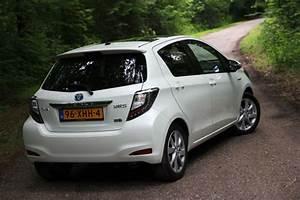 Toyota Yaris Hybride Dynamic : foto 39 s toyota yaris full hybrid 1 5 dynamic pure rijervaring ~ Gottalentnigeria.com Avis de Voitures