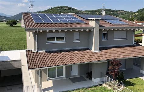 schema elettrico per pannelli fotovoltaici inverter ibrido per batterie e rete elettrica