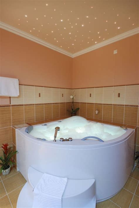 Oversized Jetted Tub by Best 25 Bathtub Ideas On Tub