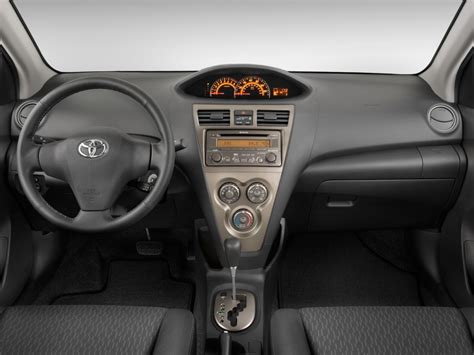 Image 2009 Toyota Yaris 4 Door Sedan Auto S Natl