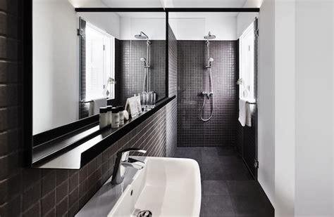Minimalist Loft With Luxurious Details by 隅々まで白と黒だけで作られた空間 シンガポールにあるモノクロホテル Roomie ルーミー