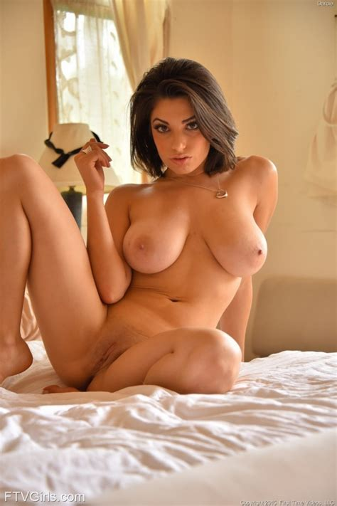 Darcie Dolce Shows Hot Curves