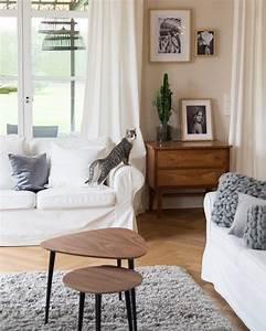 Schöne Teppiche Fürs Wohnzimmer : so cozy gerade an kalten herbsttagen gibt es nichts sch neres als es sich auf dem sofa ~ Frokenaadalensverden.com Haus und Dekorationen