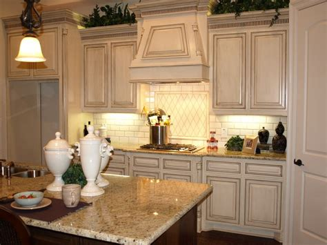 paint on kitchen cabinets 261 best beautiful kitchens images on 3953