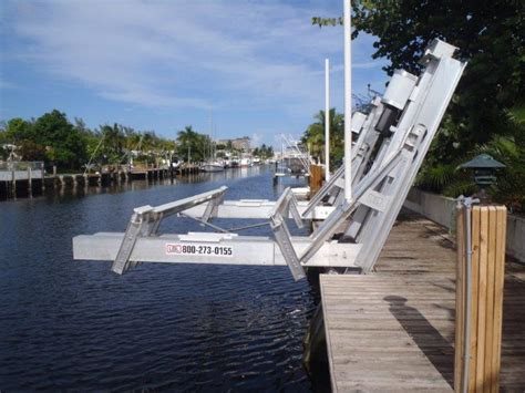 Boat Lift Pics by Elevator Boat Lift The Hull Boating And Fishing