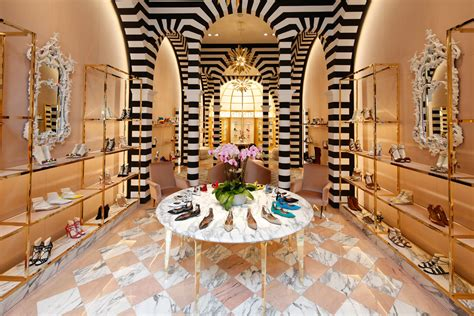 Home Interior Gold Leaves : The Application Of Gold Leaf In Luxury Retail Design