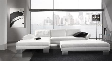 canapé convertible une personne le canape en cuir blanc pour une decoration epuree de