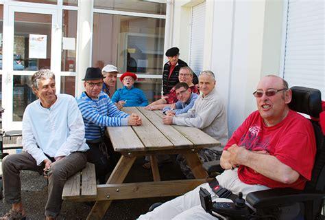 siege adapei les résidents d 39 espiute en visite au siège associatif