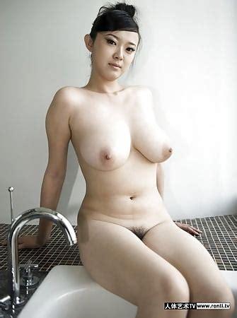 Nackt  Yi Shin Yi Sun