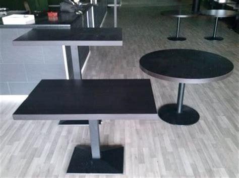 tables et chaises de restaurant d occasion tables chaises banquettes mange debouts tabourets à 7000