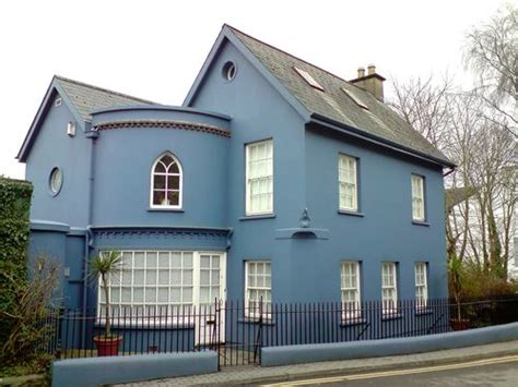 paroles c est une maison bleue c est une maison bleue photo de cork county wiwi in ireland