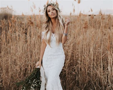 Barn Wedding Dresses : 15 Rustic Wedding Dresses For The Sophisticated Bride