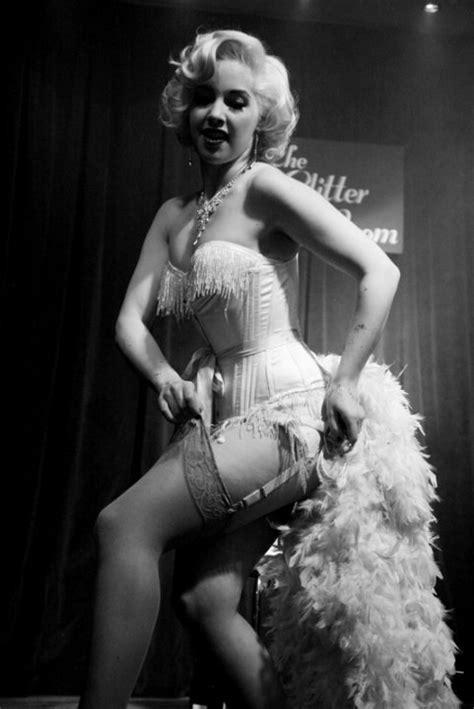 Jody Star Fashion World Burlesque