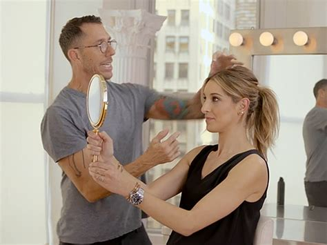 Jennifer Aniston's Hairstylist Shows Us How To Get Her