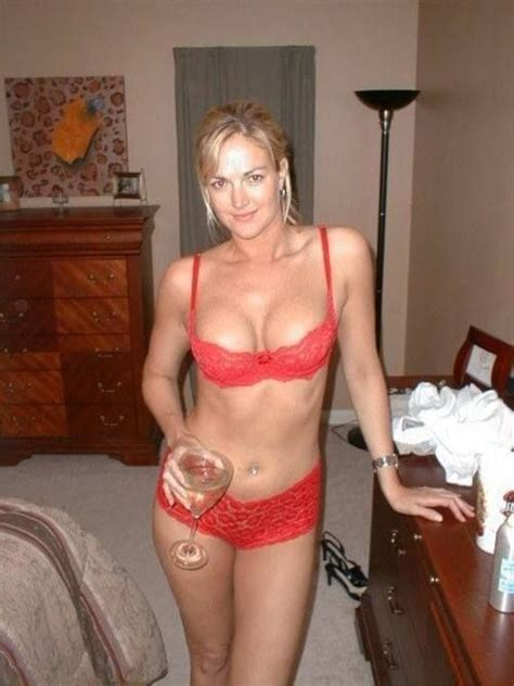 #cougar #cougardating #milf #mature Hot Cougar 002 | Cougar Dating Service | www.AgeLuv.com | gg ...