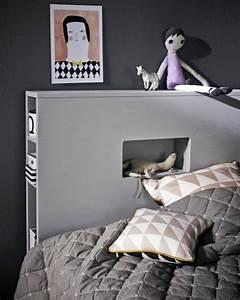 Lit Une Place Avec Rangement : t te de lit avec rangement gain de place et d coration ~ Teatrodelosmanantiales.com Idées de Décoration