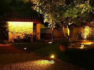Eclairage Exterieur Jardin : les luminaires pour illuminer son jardin mon jardin deco ~ Melissatoandfro.com Idées de Décoration