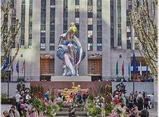 La ballerina gigante di Jeff Koons in piazza Rockefeller