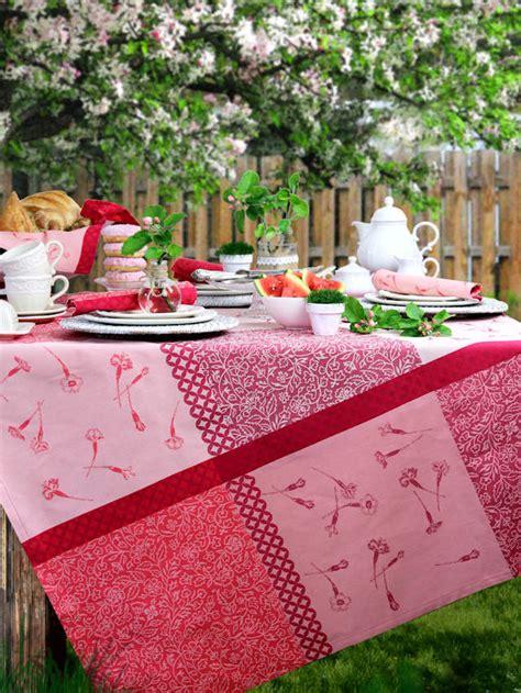 Rote Gartentischdecken