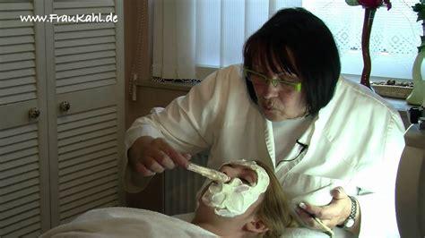 gesichtsmaske gegen falten gesichtsmaske gegen pickel mitesser und falten selber machen teil 2 frau kahl