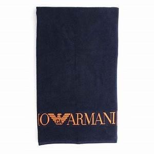 Drap De Plage Homme : armani serviette de bain emporio armani drap de plage bleu marine ~ Teatrodelosmanantiales.com Idées de Décoration