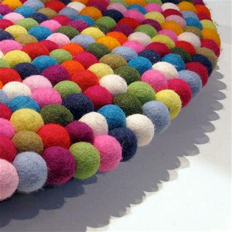pinocchio ou le tapis multicolore